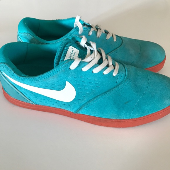 quality design a9068 9dd11 Eric Koston Skater Lunarlon Nikes. M 5c592c2cc2e9fe1b5b2a0e2d